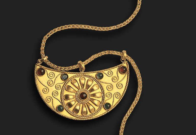 Alrami-necklace-with-gold-stones.jpg
