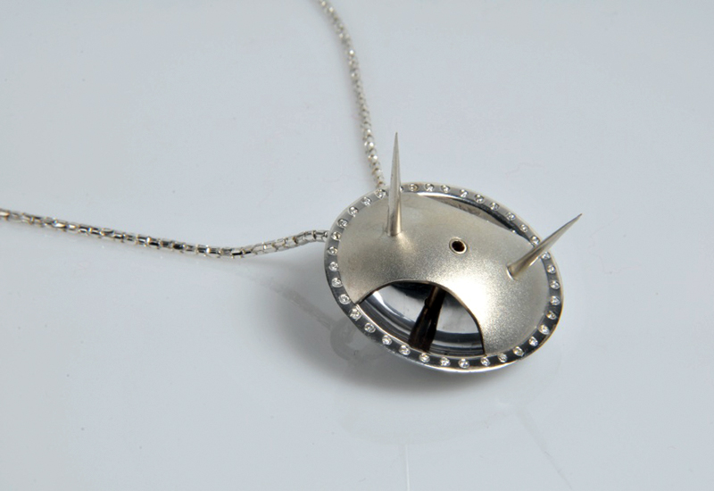BENCH-FRESH-Julie-spike-pendant.jpg