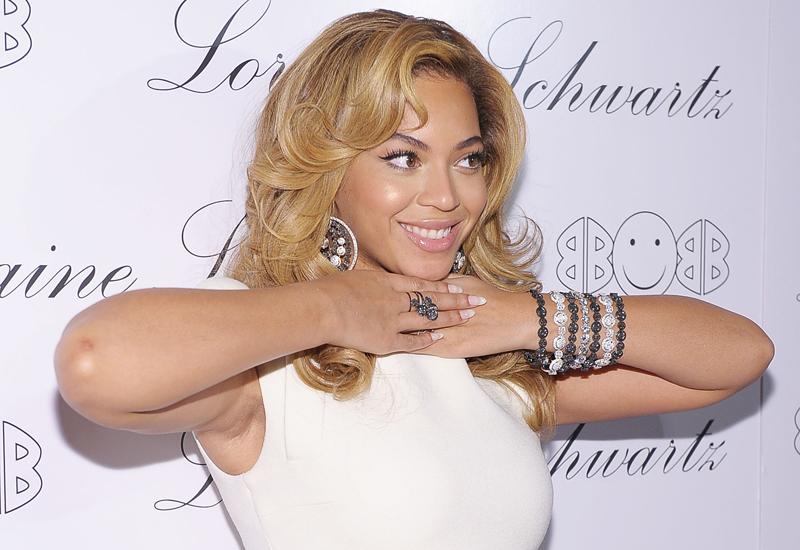 Beyonce-2BEhappy.jpg