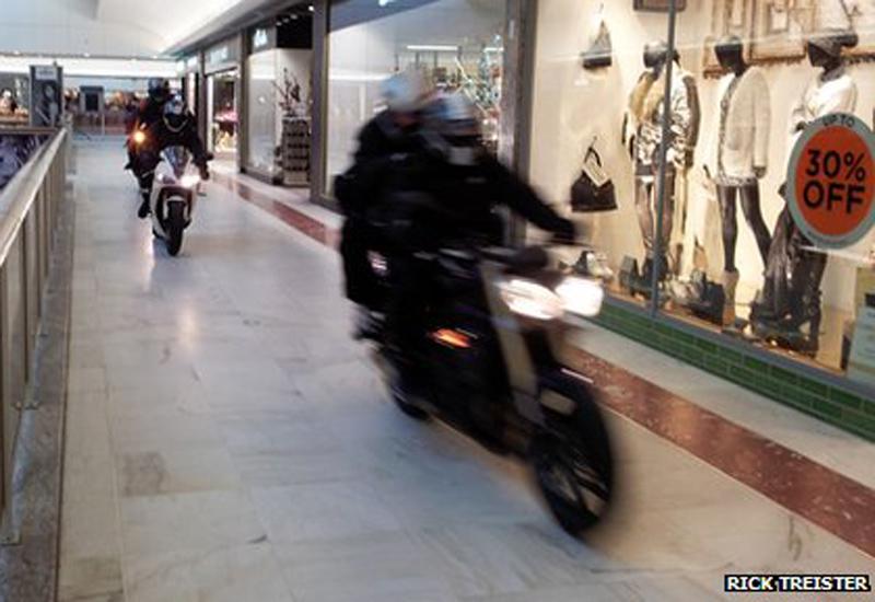 Brent-Cross-motorbike-robbery.jpg