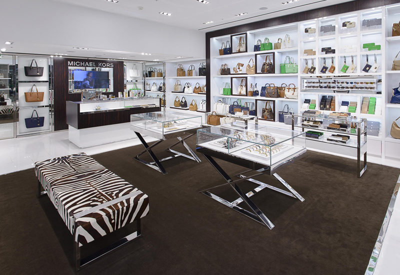 Canary_Wharf_shop.jpg