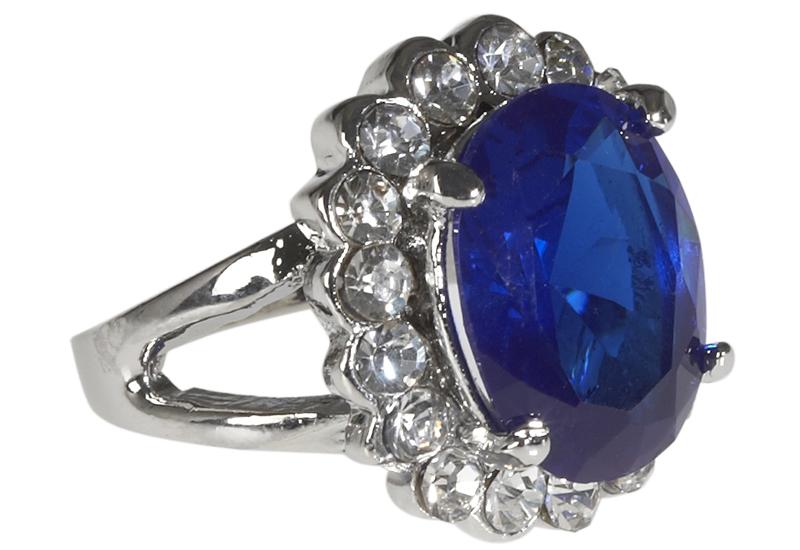DebenhamsVicenza-Kate-ring.jpg
