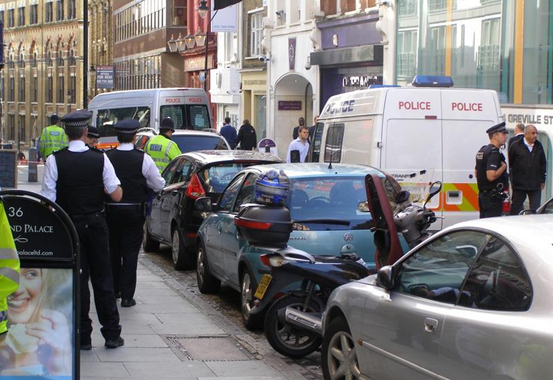 Hatton-Garden-police-raid-web.jpg