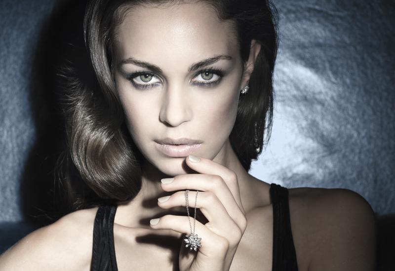 Hot-diamonds-model-shot2012.jpg