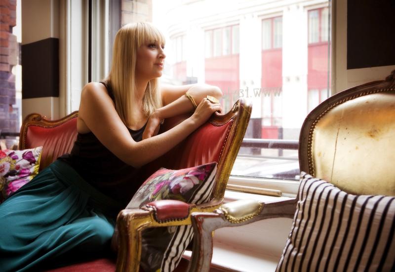 Laura-Gravestock-hot-100-2011.jpg