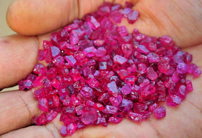 Mozambican-Ruby-Rough.jpg