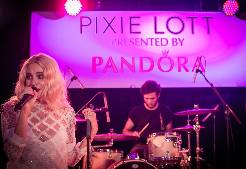 Pandora_Pixi-stage.jpg