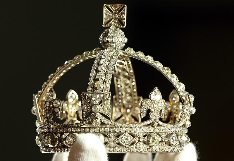 Queens-diadem.jpg