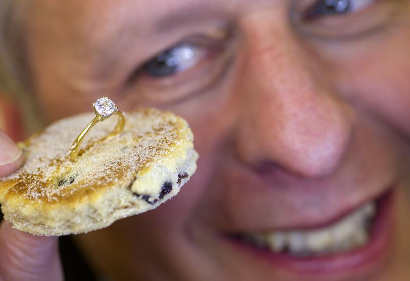 Richard-Slack-with-diamond-welsh-cake.jpg