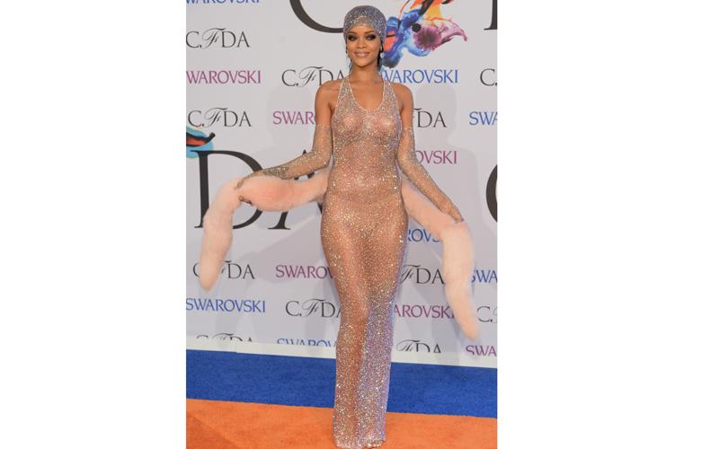 Rihanna-full-body-shot.jpg