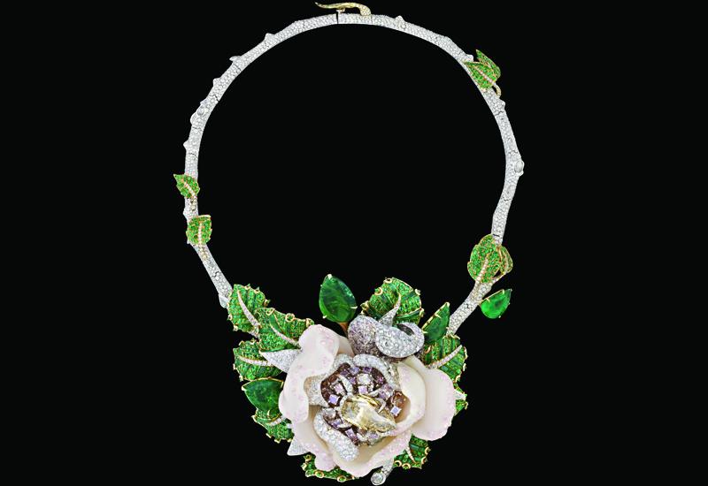 Showcase-Dior-Rose-web.jpg