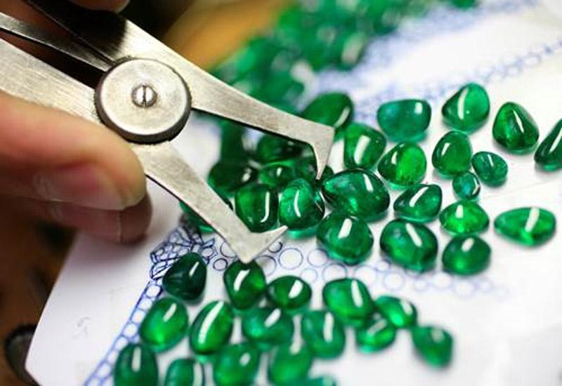 Van-cleef-school-gemstones.jpg