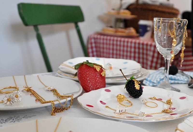 alex-monroe-spring-2011-tea-party.jpg