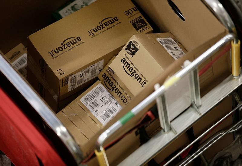 amazon-parcels-457850649.jpg