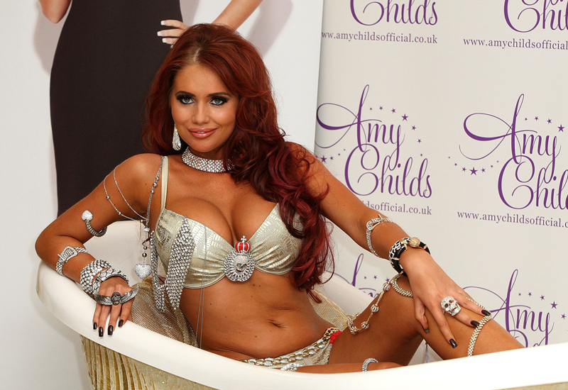 amy-childs-for-mikey-bath154666867.jpg