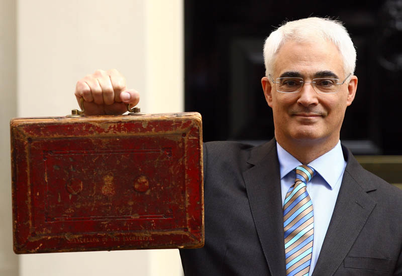 budget-alastair-darling.jpg