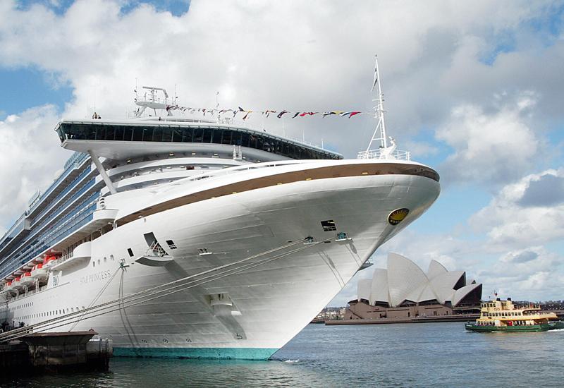 cruise-ship2762184.jpg