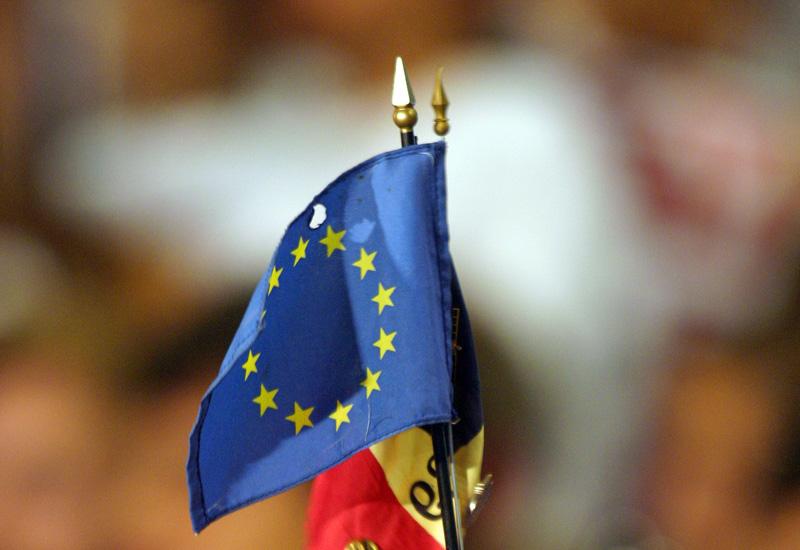eu-flag73925241.jpg
