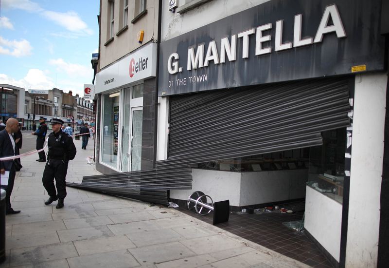 g-mantella-in-london-raids.jpg