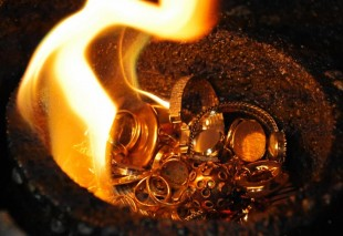 generic_goldsmelting-JOE-KLAMARAFPGettyImages.jpg