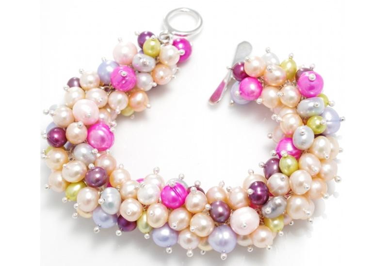 hi-ho-pearl-bracelet.jpg