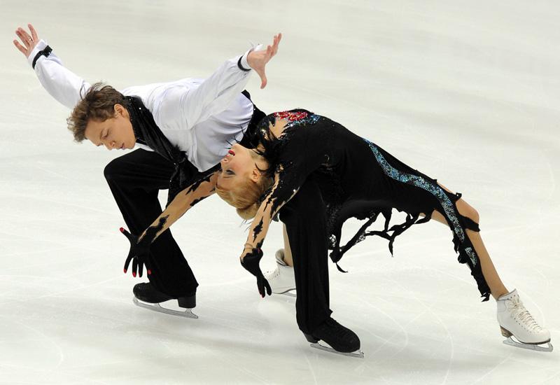 ice-skating-YURI-KADOBNOV134120794.jpg