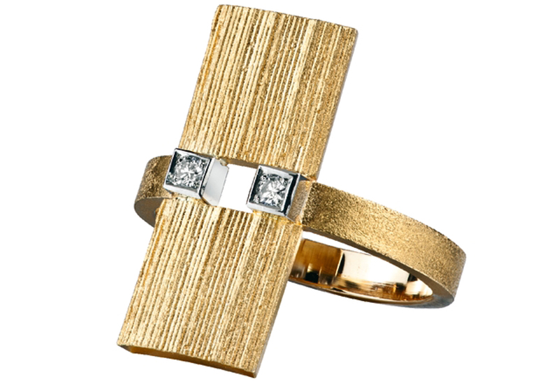 lapponia-Diamond-Shield-BW.jpg