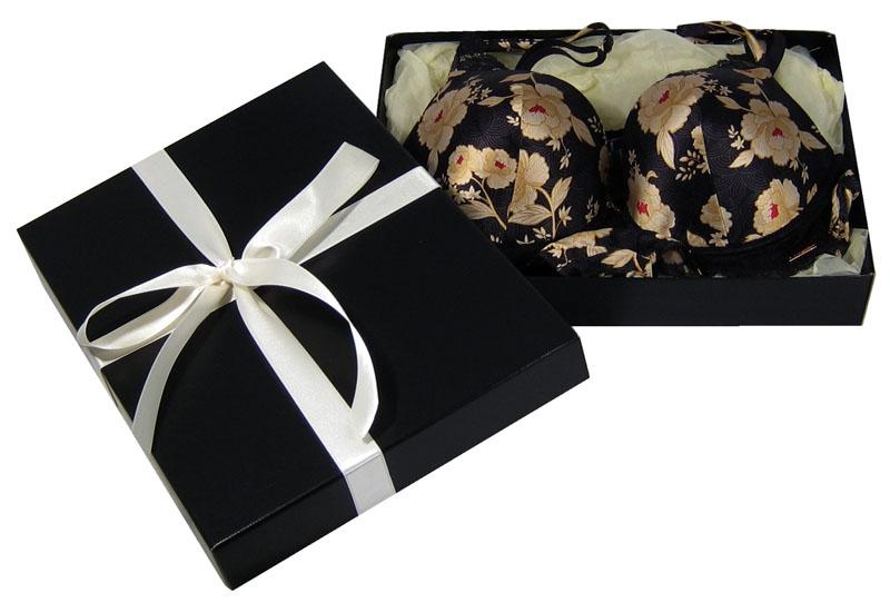 lingerie-packaging.jpg