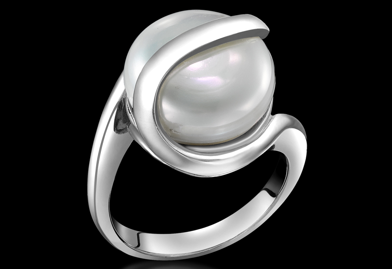 london-pearl-ring.jpg