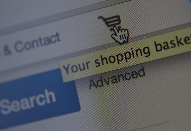 online-shopping-453488584.jpg