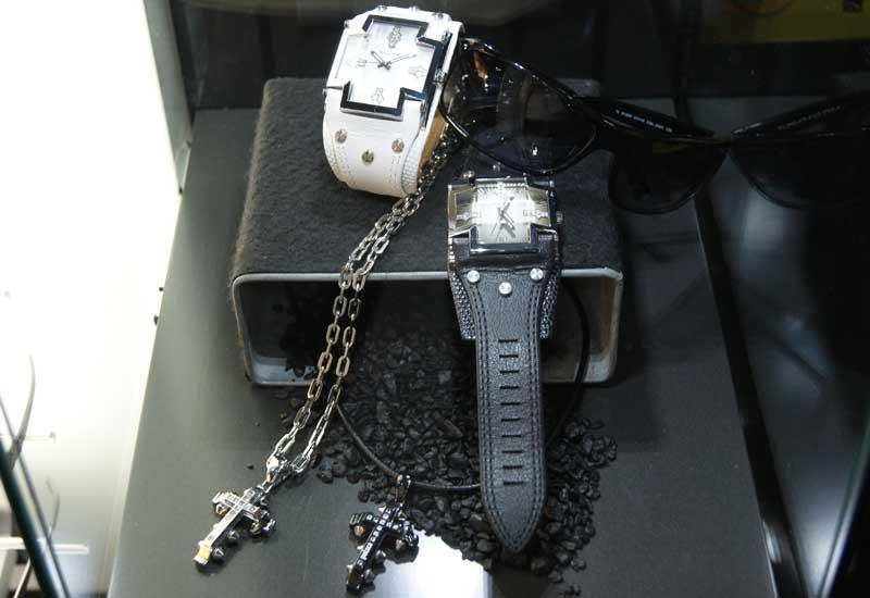 police_blackandwhitewatchesmensjewellery.jpg