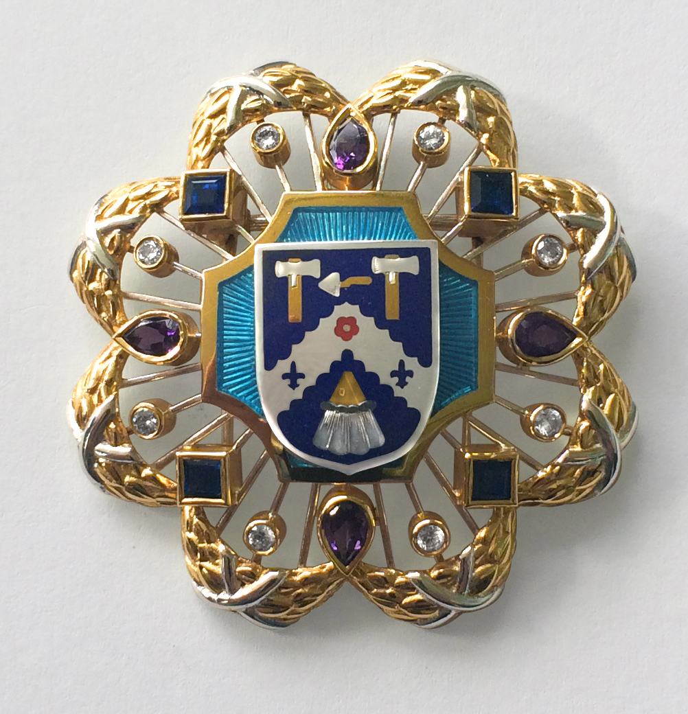 Livery Badge The Worshipful Company of Plaisterers  The Goldsmiths' Centre 2015