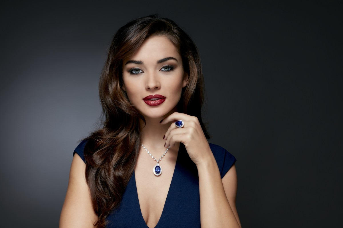 Pictured Amy Jackson wears 16.75 carat Tanzantie Ring (Sale 1) & 18.41 carat  Tanzantie Pendant (Sale 3)