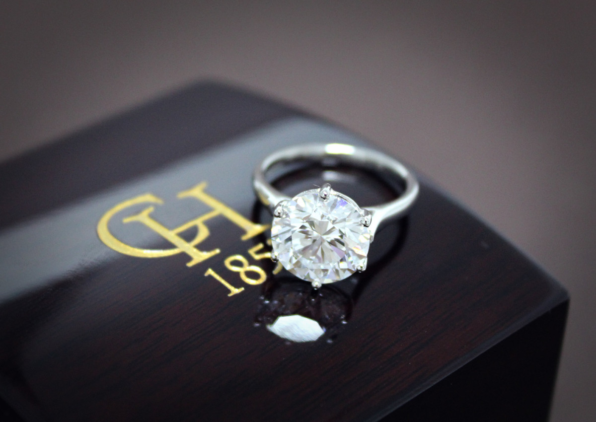 Chisholm Hunter diamond ring A