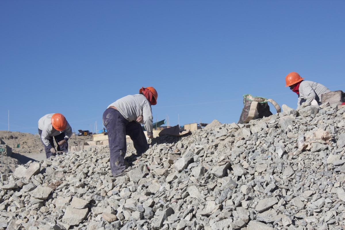 Peruvian Miners image