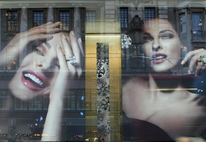 London's Bond Street Prepare For Seasonal Shopping Boom