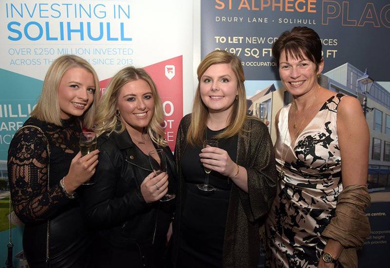 fabulous-team-at-the-bid-awards