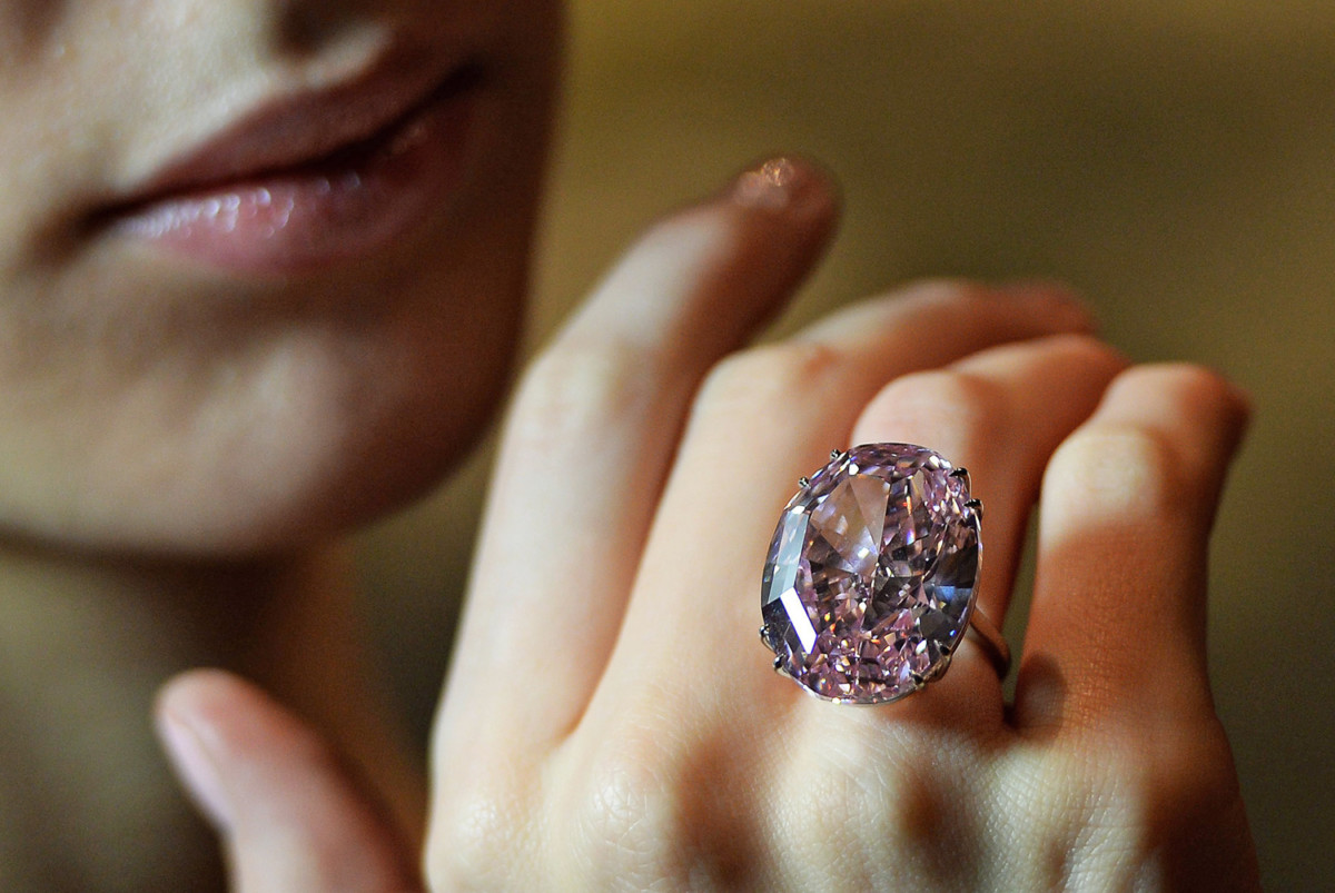 Image: Pink star diamond offered at auction
