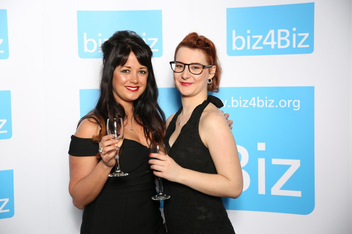 biz4iz awards alyssa and jade