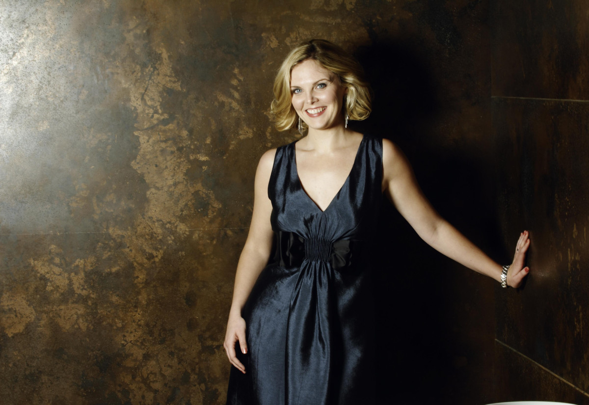 Elin Manahan Thomas – wall (c) Paul Stuart