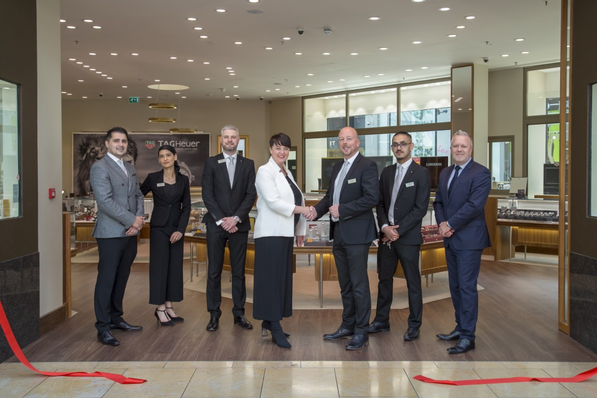 3. The Goldsmiths team and Danielle Bozward open the newly refurbished Birmingham Bullring showroom