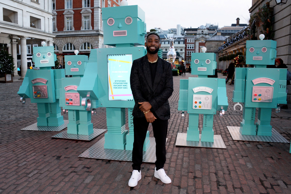 Tinie Tempah Unveils An Installation Of Tiffany Blue Robots & A Boom Box Playing Seasonal Tracks In The Heart Of Covent Garden