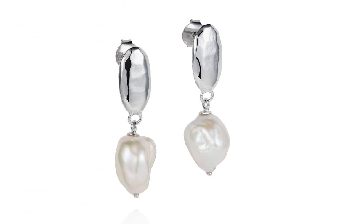 CBES0090 – Baroque pearl Siren studs