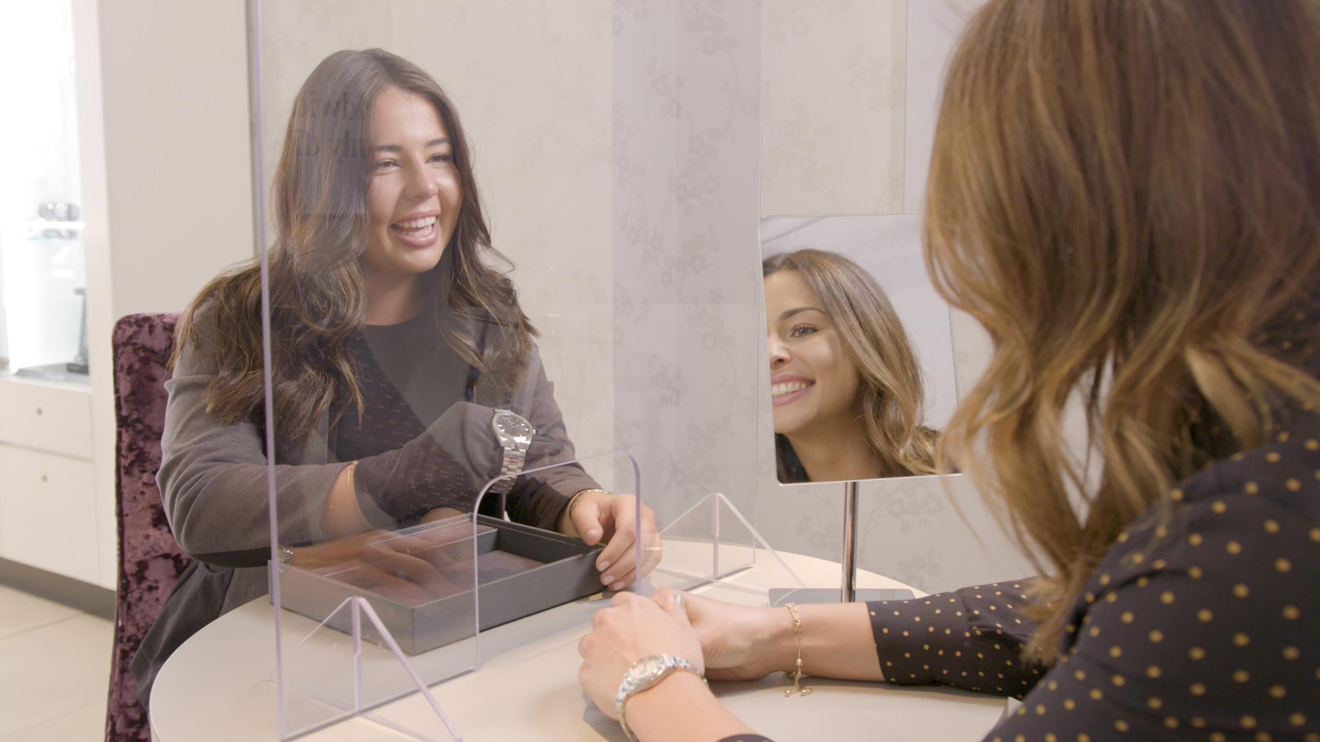 08 First look at a jewellery shopping experience as stores reopen
