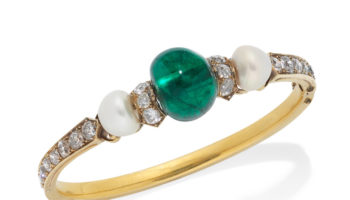 A LATE 19TH CENTURY EMERALD, PEARL AND DIAMOND BANGLE Estimates_20,000 – 30,000