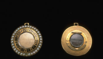 Gold circular memorial hair box brooch and locket, 1834, The Goldsmiths' Company Collection