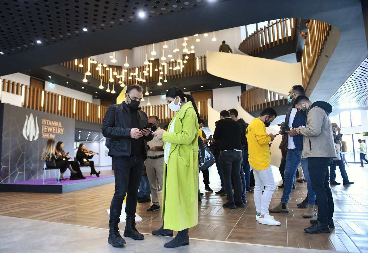 GALLERY: Istanbul Jewelry Show sees 14% increase in visitors despite pandemic